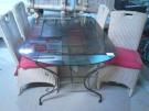 TABLE OVALE DESSUS VERRE + 4 CHAISES CORDE