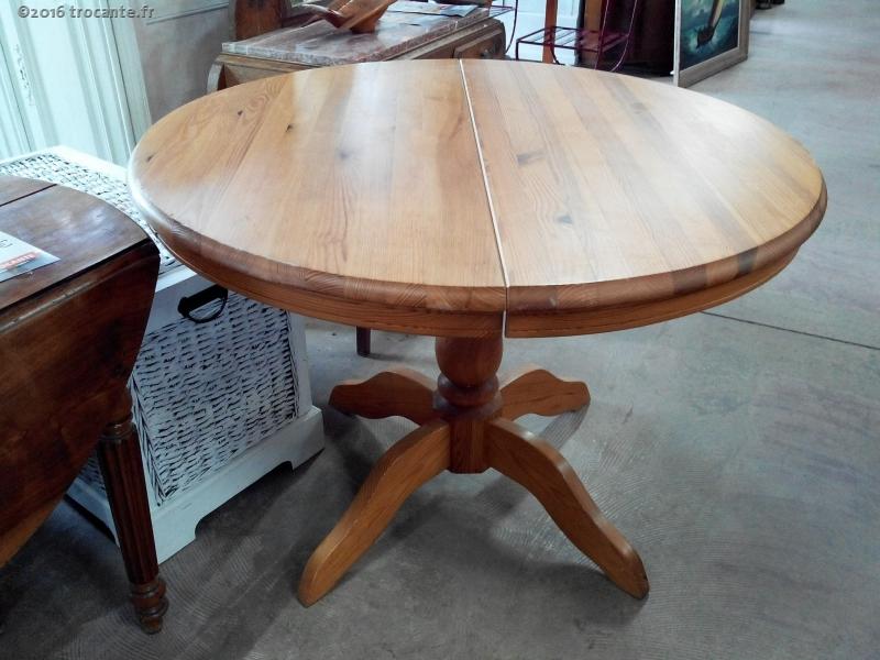 Table ronde pin allonge centrale la trocante d posez et encaissez - La table ronde carcassonne ...