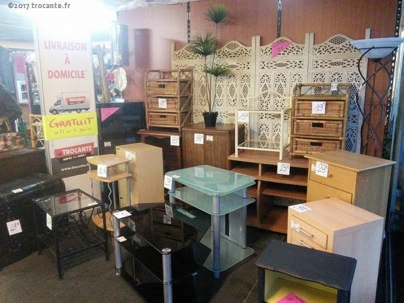 arrivage permanent de petits meubles la trocante d posez et encaissez. Black Bedroom Furniture Sets. Home Design Ideas
