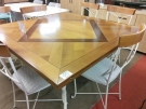 TABLE TGM CARRE 4 ALLONGES RONDES PIED F.F. + 6 CHAISES