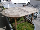 TABLE OVALE BOIS EXOTIQUE+1 ALLONGE ( A RESTAURER)