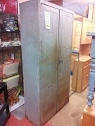 ARMOIRE METAL ANCIENNE TOLIX
